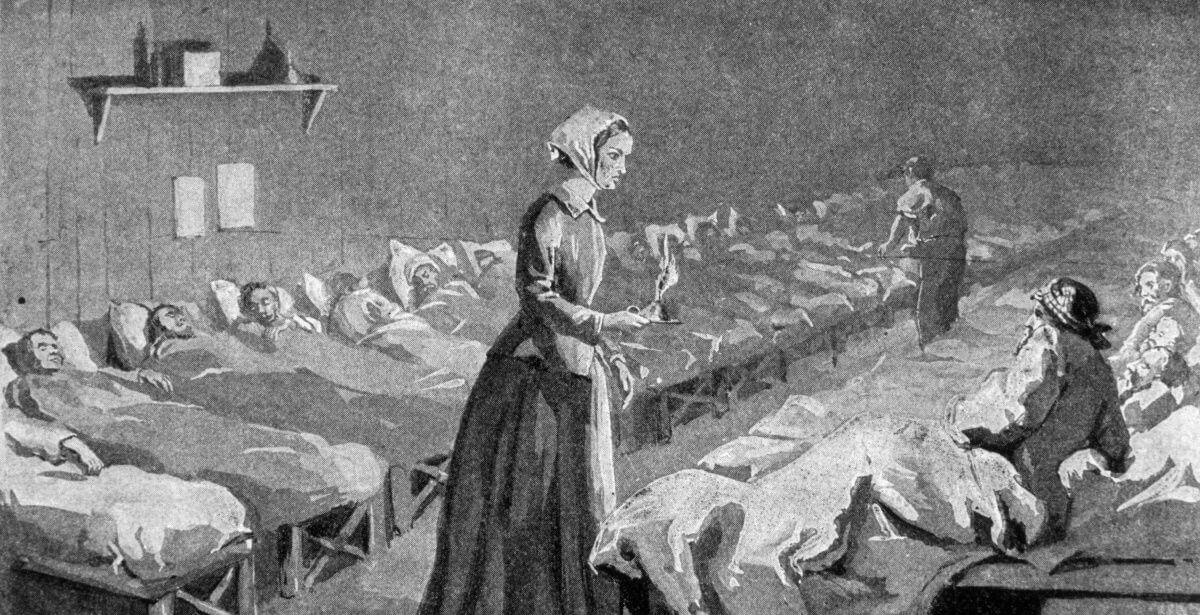 Black and white depiction of Florence Nightingale treating soldiers during the Crimean War